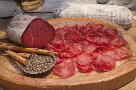 Bresaola della Valtellina, an ancient ritual from father to son
