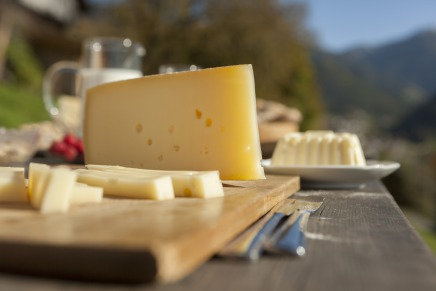 Customs tariffs that hold back cheese exports