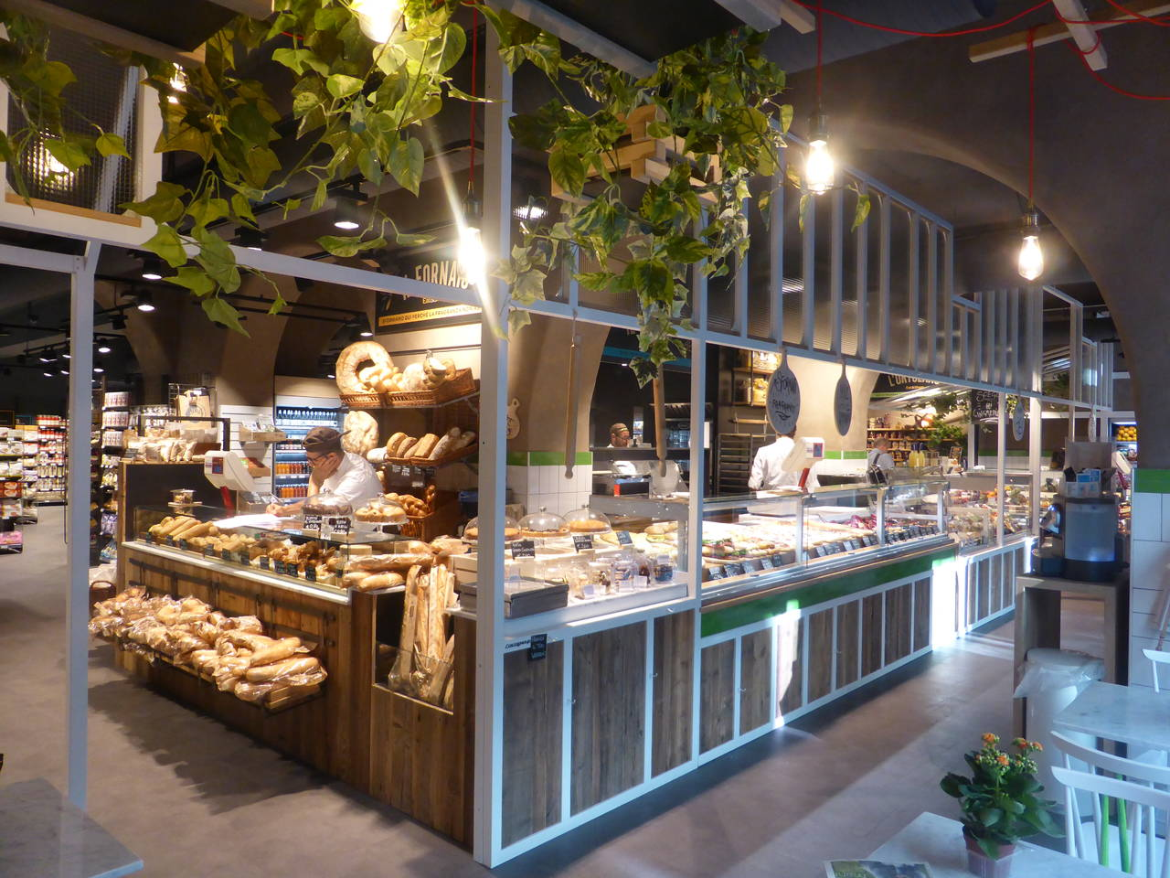 Tasting during shopping: retail becomes a restaurant | Italian ...
