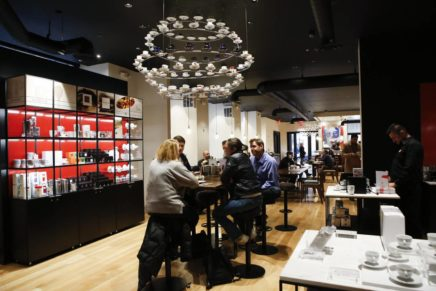 Illycaffè expands in the world (and in Milan)